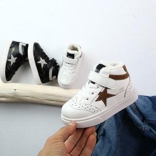 Giày co cao ngôi sao cho be