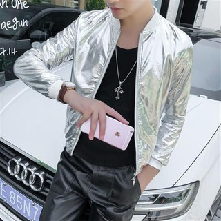Áo khoác ôm dáng sáng màu độc đáo theo phong cách xuân thu