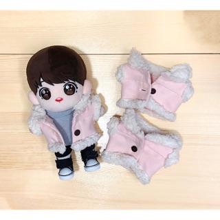 Outfit doll 20cm – Áo khoác hồng bông