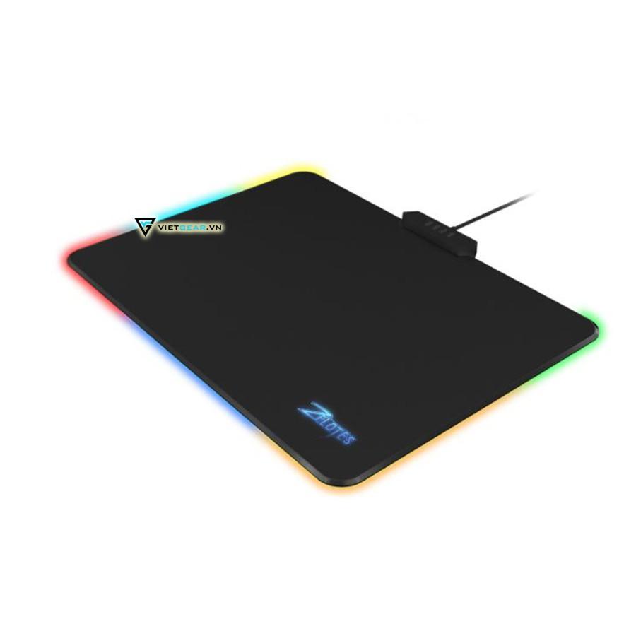Lót chuột cứng Zelotes P17, led RGB