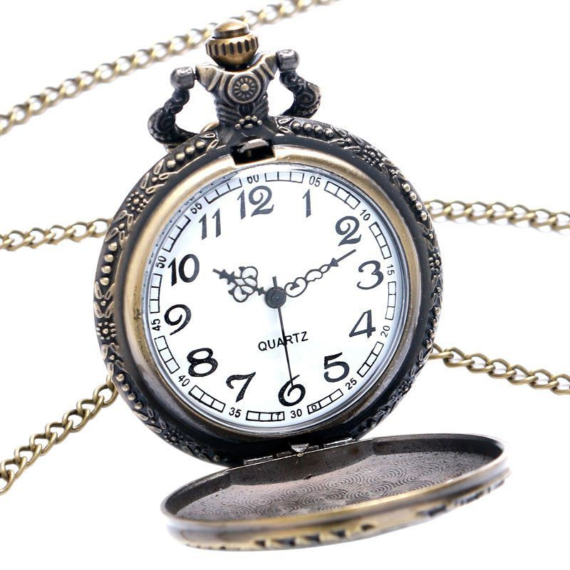 Đồng hồ quả quýt chạm khắc hình đầu lâu bằng đồng