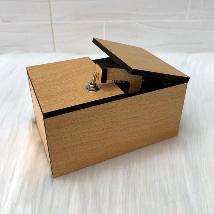 Hộp vô dụng – Useless Box – Don't Touch Box