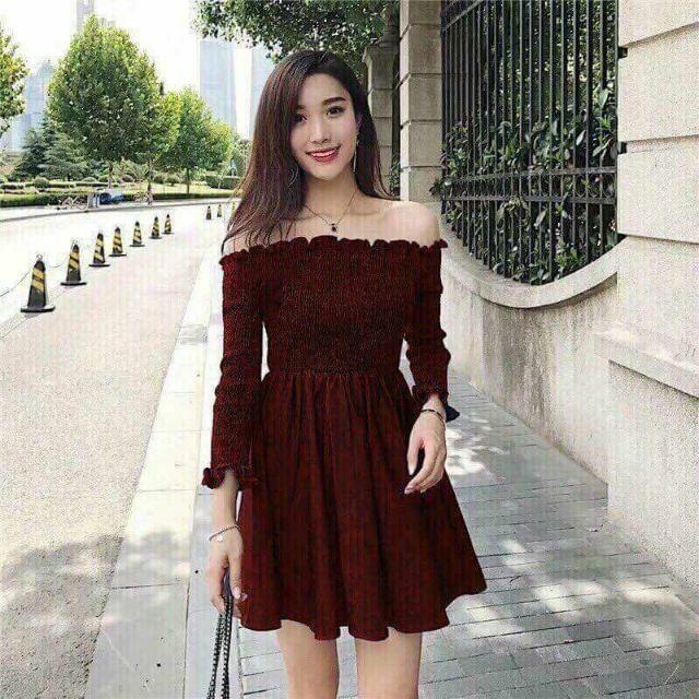 Đầm đỏ trễ vai (kèm hình thật)