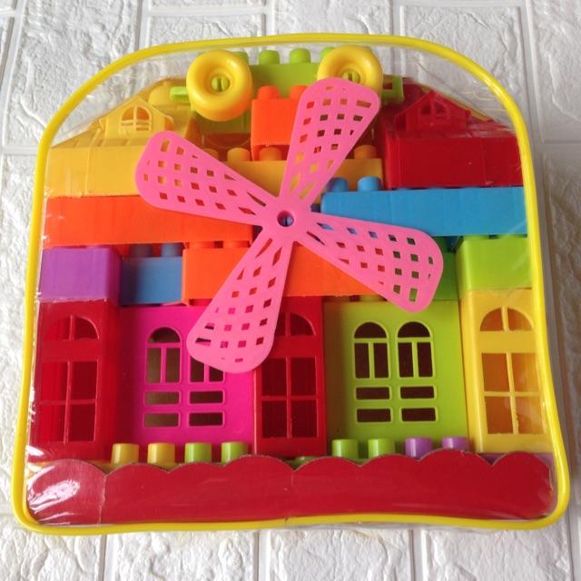 Sỉ 1 bộ đồ chơi