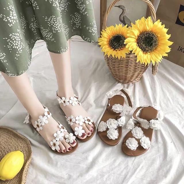 Sandal hoa xinh iu