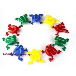 Ếch nhựa nhảy – Jumping frog Trò chơi phát triển các giác quan và tăng cường khả năng vận động cho bé (Set 4 con)