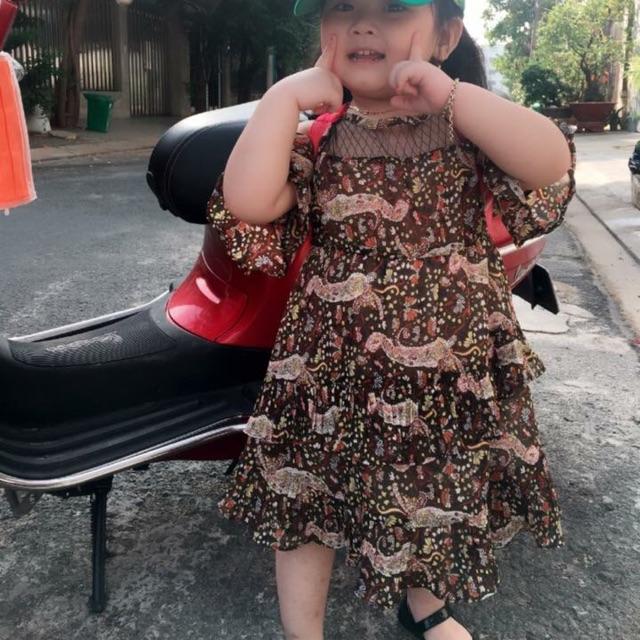 Đầm voan bé gái.