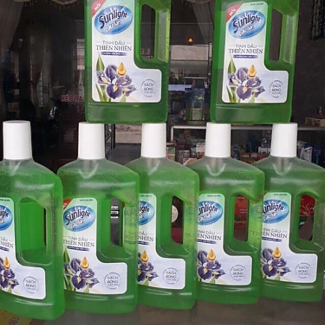Nước lau sàn Sunlight tinh dầu Thiên Nhiên - Hương Hoa Diên Vỹ (1kg/chai)
