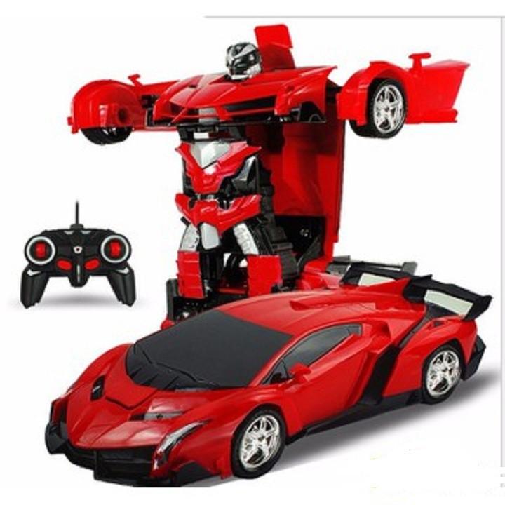 Ô tô điều khiển từ xa biến hình thành robot