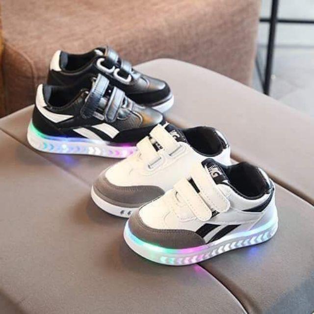 Combo 2 đôi giày bé c Dieu Smile size 21 và 26