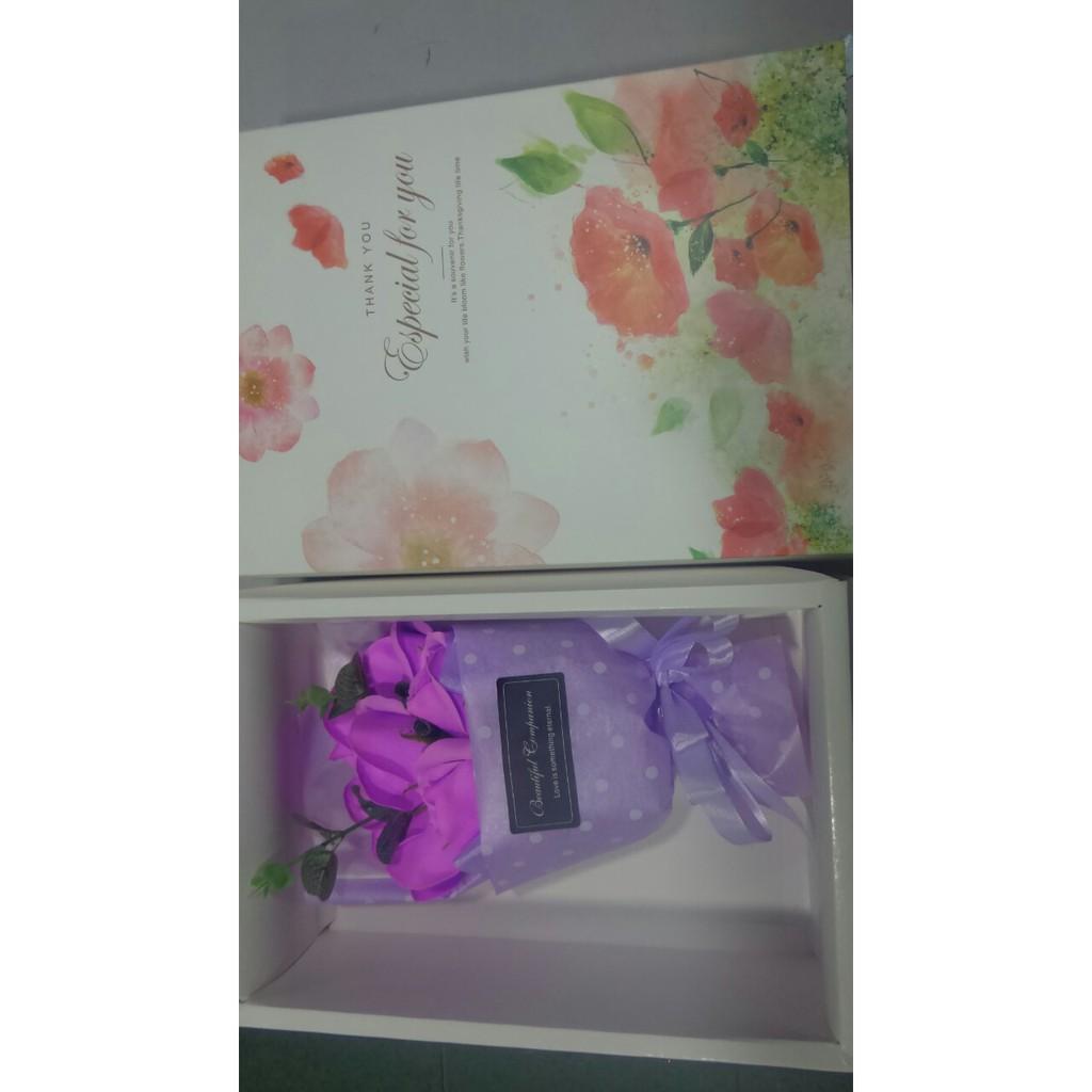 Hoa sáp hộp 7 bông