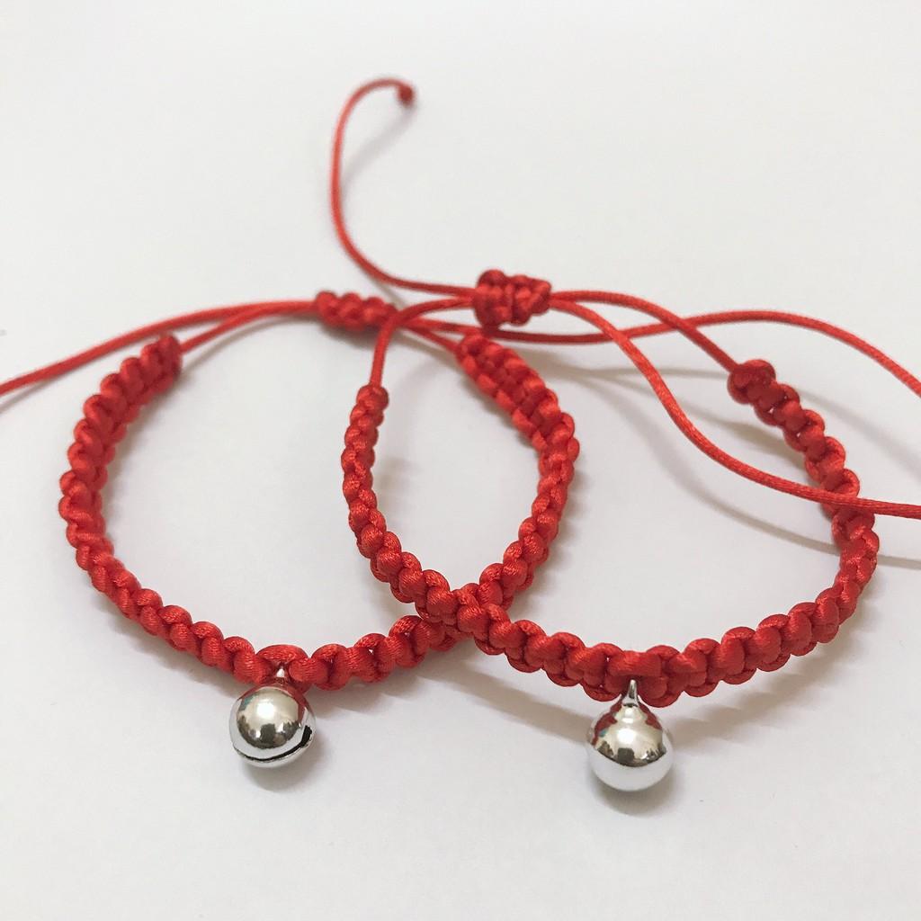 Vòng tay chỉ đỏ mang lại may mắn, tình duyên, tài lộc và vui vẻ cho mọi người- hình chuông bạc đáng iu ^^