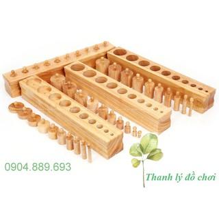 Bộ hình trụ có núm size lớn, núm trụ Montessori loại to – Knobbed Cylinders – Giáo cụ montessori