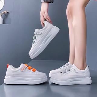 Giày thể thao nữ kiểu dáng đơn giản