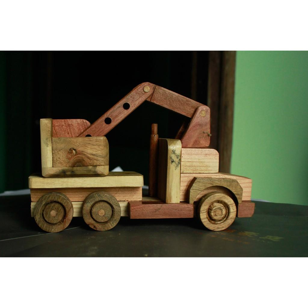 Đồ chơi gỗ phát triển trí tuệ Combo 4 Món: Máy Xúc Cẩu, Xe Ben, Xe Bồn Và Ô Tô Đầu Kéo