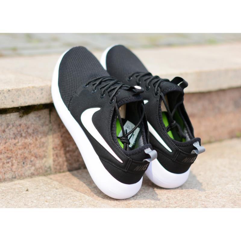 <BR> รองเท้ากีฬา Nike Roshe Two V2 รองเท้าวิ่งสีดำและสีขาว