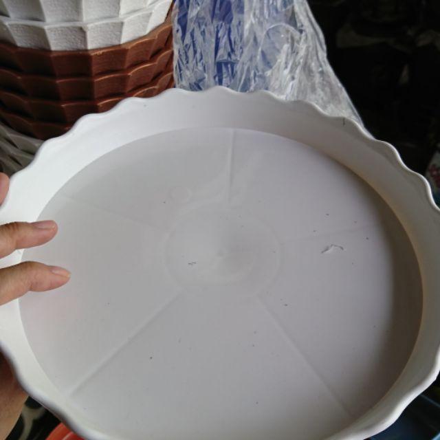 Dĩa nhựa lót chậu cây hứng nước