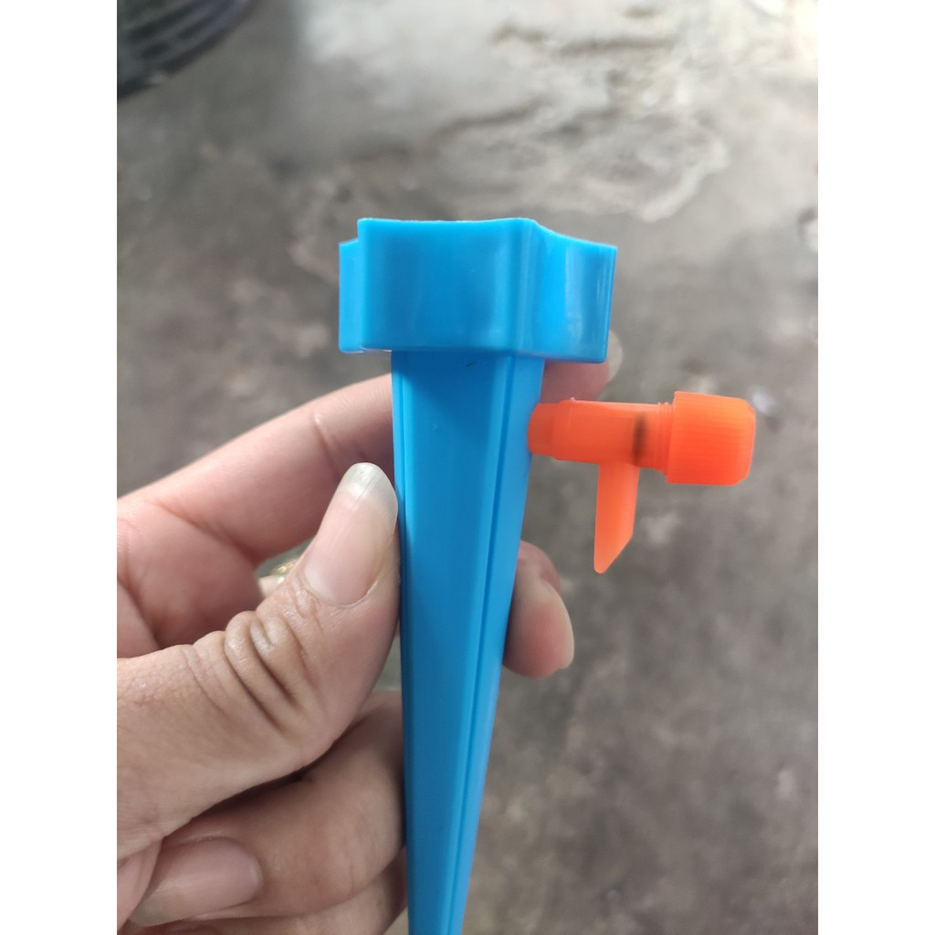 Đầu béc tưới nhỏ giọt, vòi tưới điều chỉnh tưới tự động tưới cây gắn chai nước