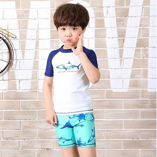 Đồ Bơi Trẻ Em - Áo Bơi Ngắn Tay Họa Tiết Cá Mập Kèm Mũ SPORTY SW9045