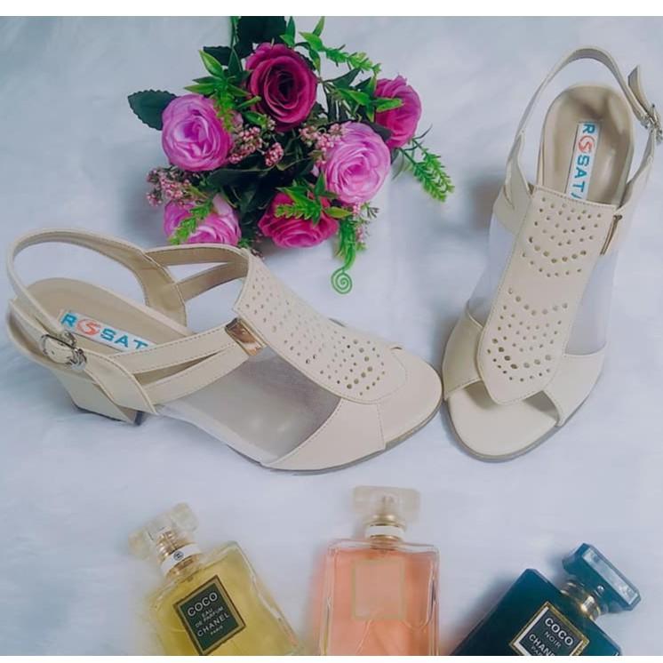 Giày sandal cao gót nữ đẹp Rosata chữ V sang trọng RO151 - 3586476 , 1249820144 , 322_1249820144 , 790000 , Giay-sandal-cao-got-nu-dep-Rosata-chu-V-sang-trong-RO151-322_1249820144 , shopee.vn , Giày sandal cao gót nữ đẹp Rosata chữ V sang trọng RO151