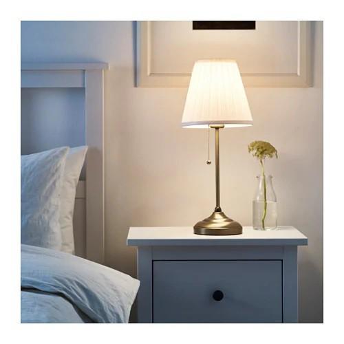 Đèn bàn đầu giường ngủ kiểu cổ điển IKEA ARSTID chưa bóng