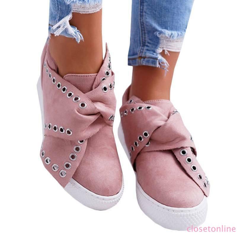 Giày nữ mũi tròn đính đinh tán thời trang