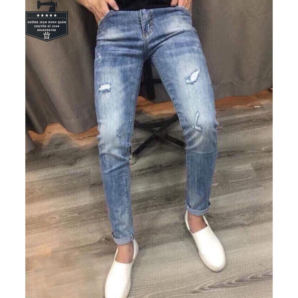 Quần jean nam màu xanh rách gối ống đứng phong cách Hàn Quốc