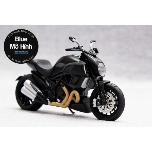 Mô hình xe mô tô Ducati Diavel 1:12 – Phiên bản Ducati Diavel sáng đèn