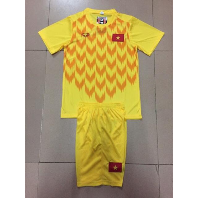 [RẺ VÔ ĐỊCH] [Thun Thái] Bộ 1 áo bóng đá thủ môn Việt Nam 2019 màu vàng ( áo thủ môn đội tuyển VN mới nhất ) - 22244148 , 2913620939 , 322_2913620939 , 114000 , RE-VO-DICH-Thun-Thai-Bo-1-ao-bong-da-thu-mon-Viet-Nam-2019-mau-vang-ao-thu-mon-doi-tuyen-VN-moi-nhat--322_2913620939 , shopee.vn , [RẺ VÔ ĐỊCH] [Thun Thái] Bộ 1 áo bóng đá thủ môn Việt Nam 2019 màu và