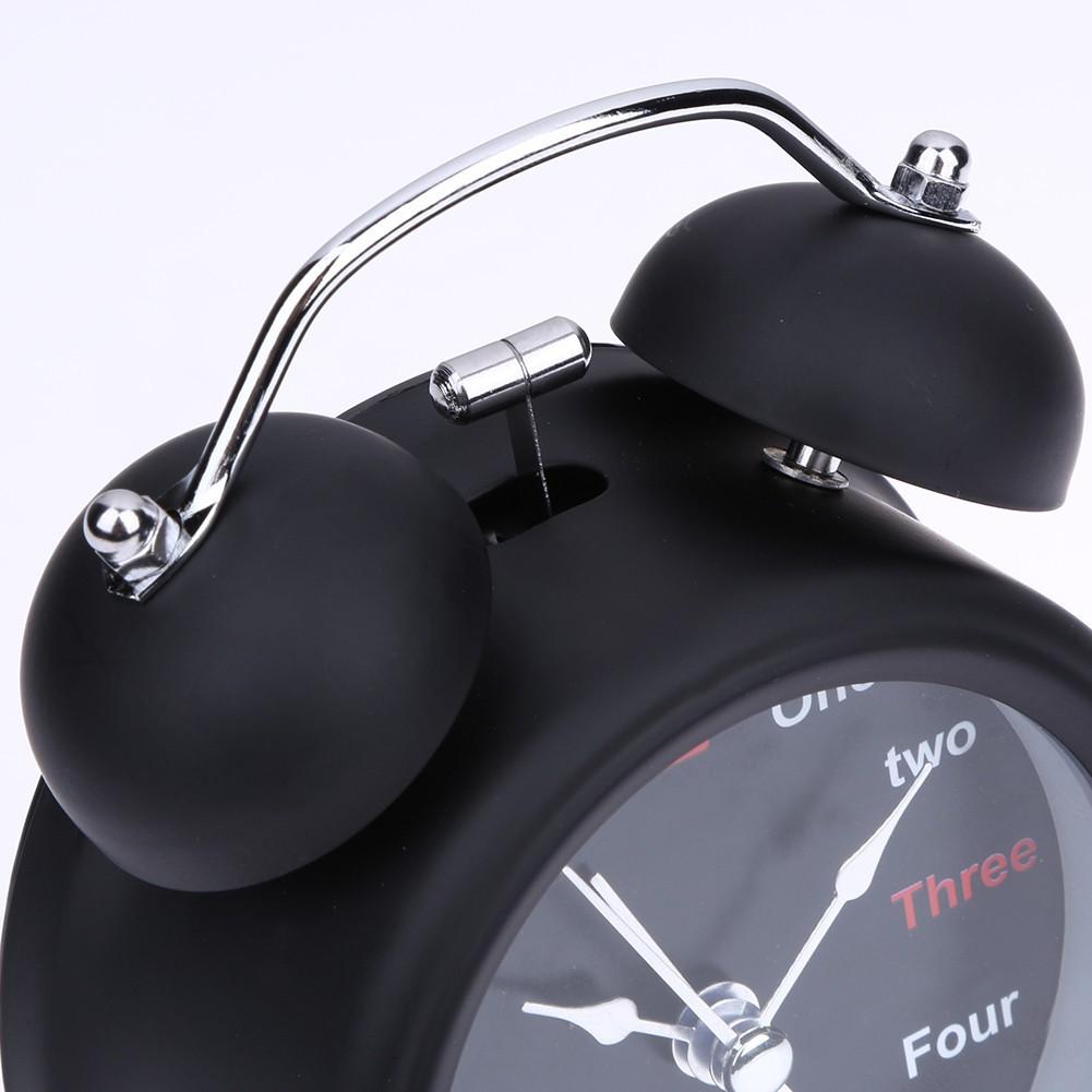 Đồng hồ báo thức dạng máy cơ phong cách cổ điển lịch lãm