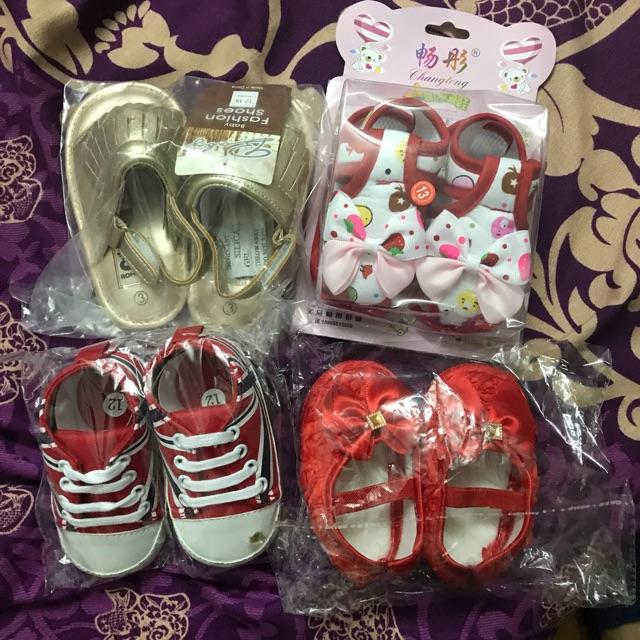 Combo 4 đôi giày cho bé - 3449052 , 1246744546 , 322_1246744546 , 200000 , Combo-4-doi-giay-cho-be-322_1246744546 , shopee.vn , Combo 4 đôi giày cho bé