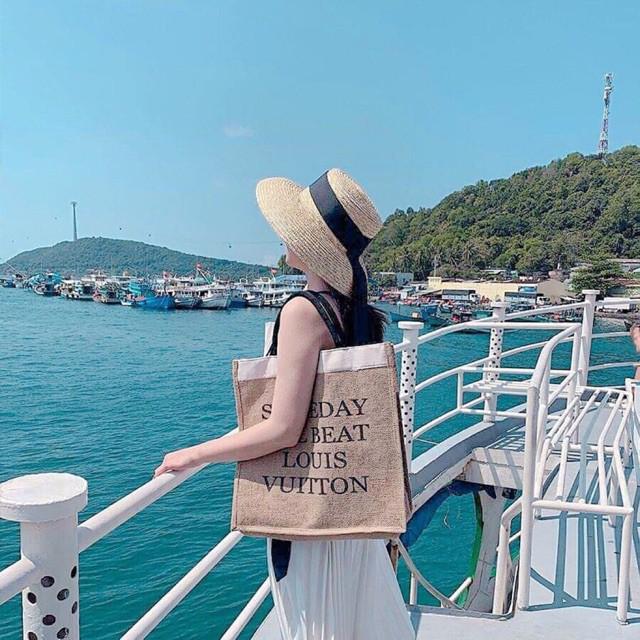 Túi giỏ xách cói đi biển du lịch Someday I ll be a L.V bản to thời trang