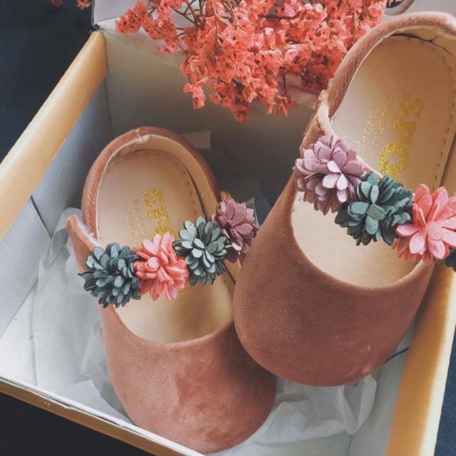 Giày hoa