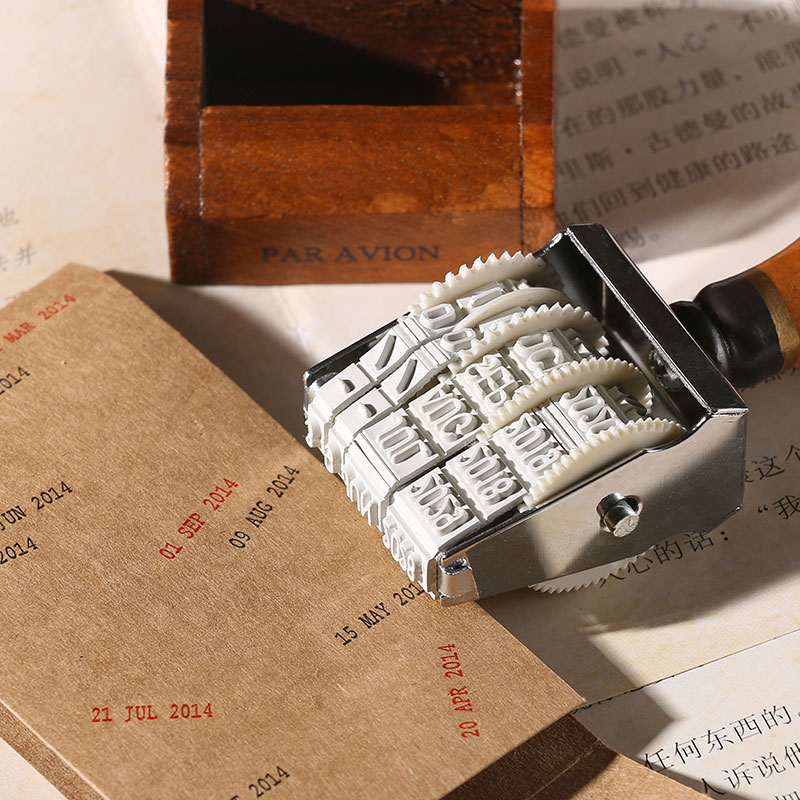 Con dấu dạng lăn họa tiết ngày tháng tay cầm bằng gỗ trang trí album/tạp chí sáng tạo