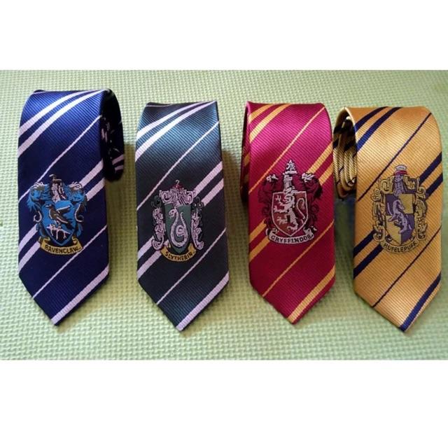 Cà vạt Harry Potter (ảnh thật)