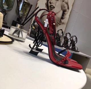 Sandal cao gót dây đinh mảnh cực sang-sẵn màu đỏ size 34