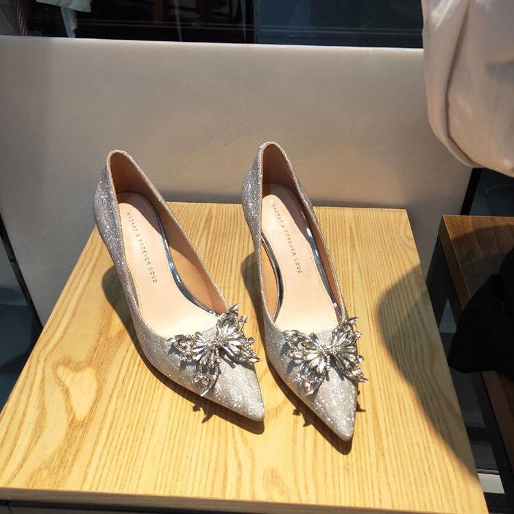 Giày Cao Gót Cô Dâu Màu Bạc Đính Pha Lê Thời Trang 2021 (Mch 15)