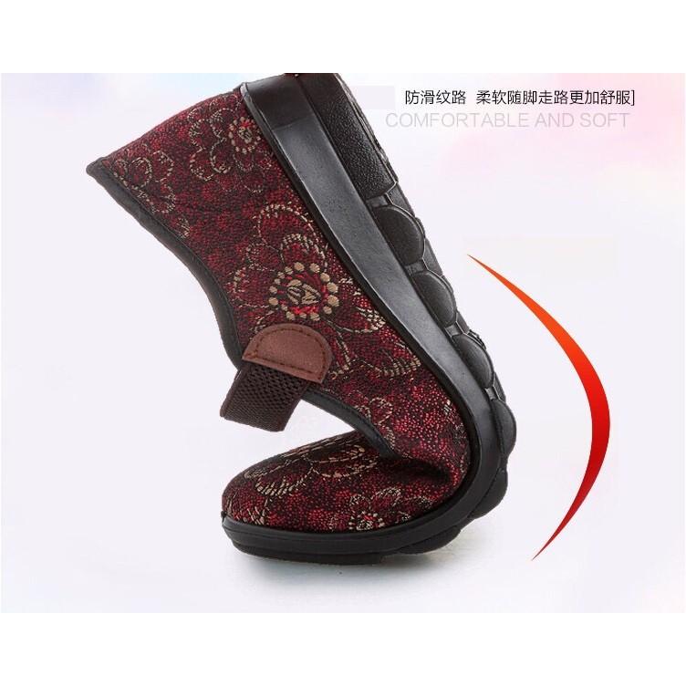Giày trung niên họa tiết in bông hoa, quai thun ngang co giãn đế cao su mềm . 2 màu nâu / đỏ . HÀNG CÓ SẴN