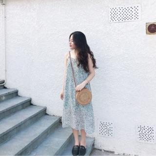 Váy dây hoa thiết kế
