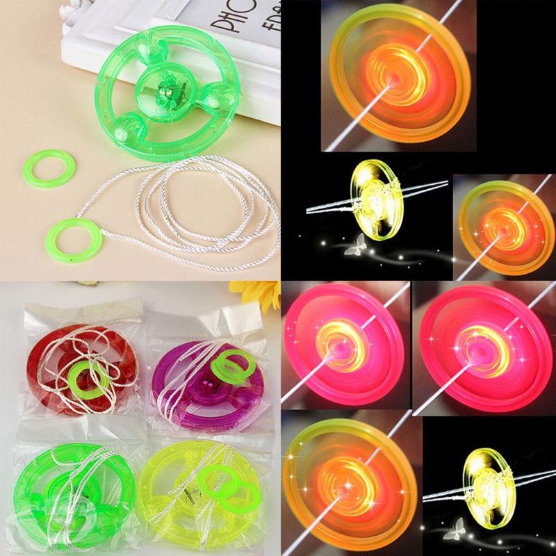 2pcs Plastic LED Light Flying Saucer Plastic Kids Outdoor Random Color Spinning