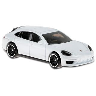 Xe mô hình Hot Wheels Porsche Panamera Turbo S E-Hybrid Sport Turismo GHD20