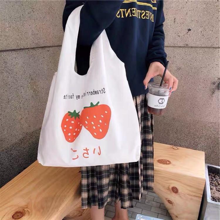Túi tote vải canvas đựng đồ phong cách Hàn Quốc in hình quả dâu cao cấp ZIMI