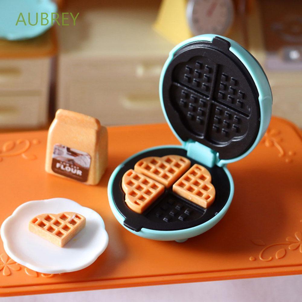 AUBREY 7Pcs/Set Miniature Toaster Plastic Toys Dollhouse Toaster Mini Cute DollHouse Kitchen Toy Creative for Entertainment Dollhouse Bread Waffle Model