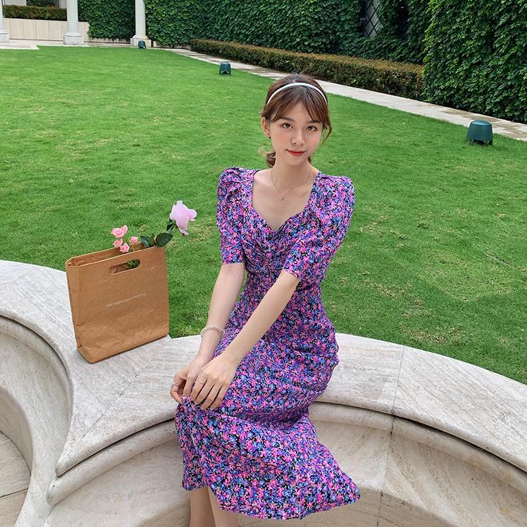 Đầm hoa tím hở lưng