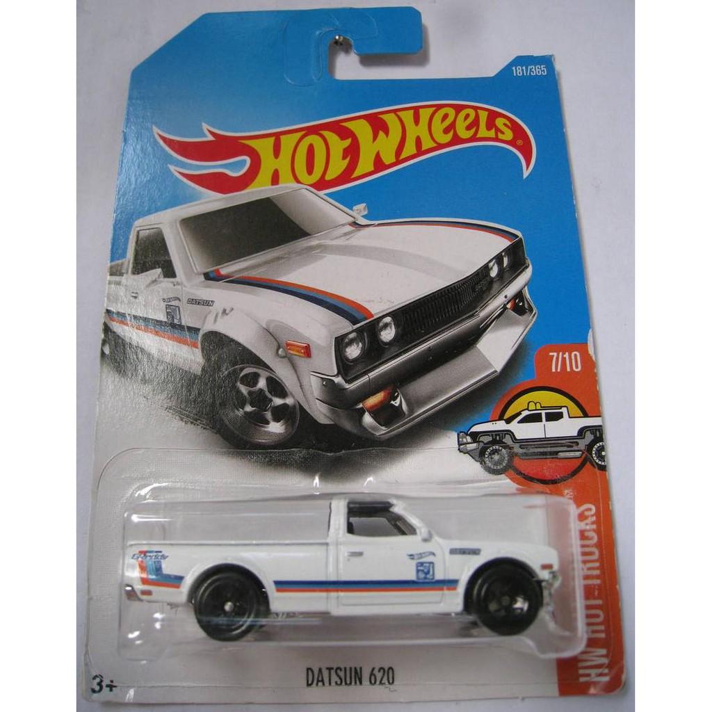 Xe mô hình Hot Wheels Datsun 620 DTX75