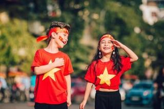 Áo cờ đỏ sao vàng trẻ em Việt Mốt