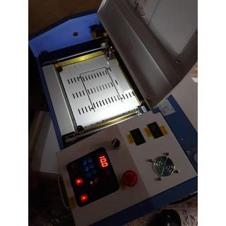 máy cắt kính cường lực điện thoại