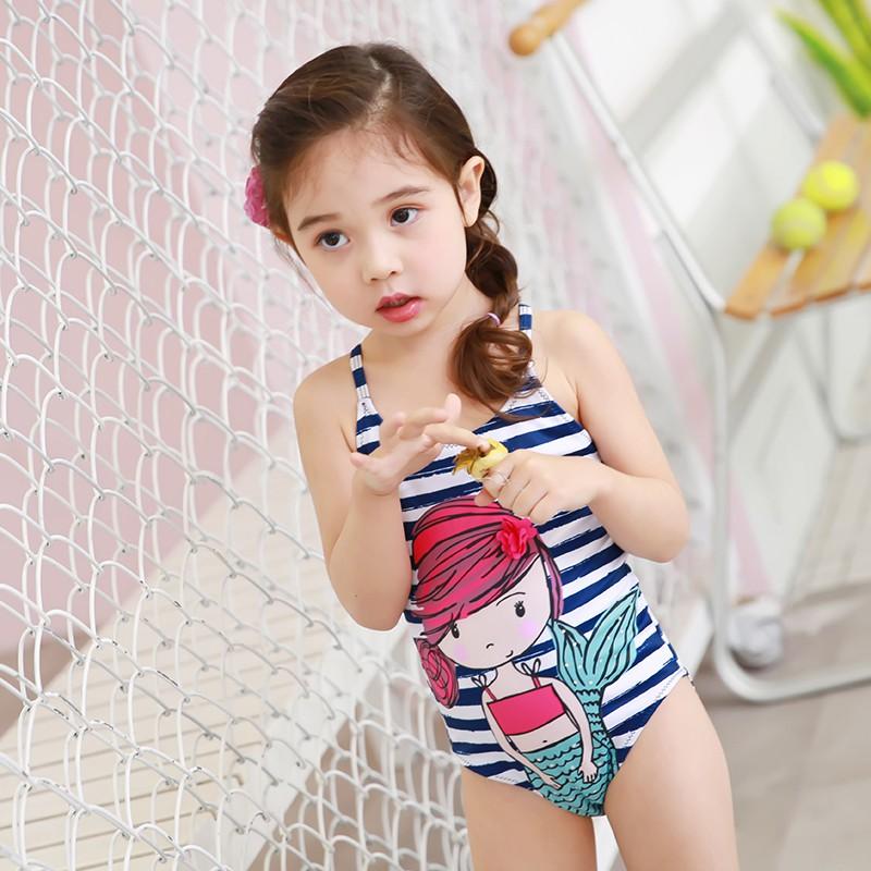 đồ bơi cho bé họa tiết cô bé đáng yêu