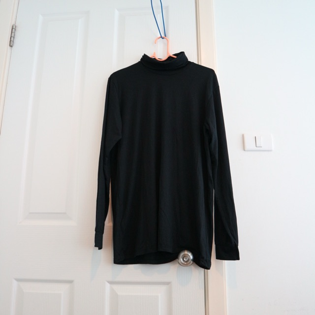 เสื้อ uniqlo heattech XL-ฮีทเทค ยูนิโคล่ (ชาย)
