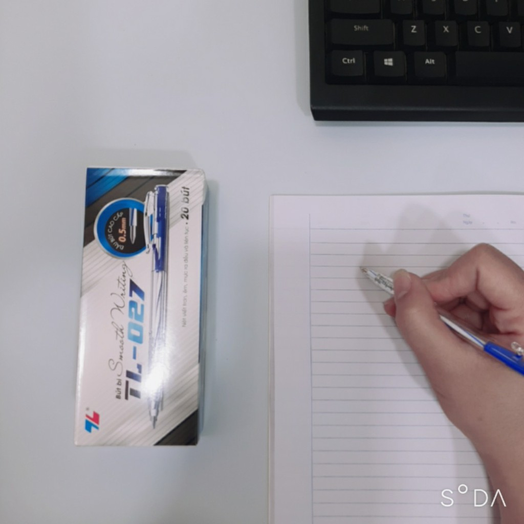 Bút bi Thiên Long 027 - bút bi nét nhỏ ngòi 0.5mm - mực xanh/ đen/ đỏ - 1 chiếc